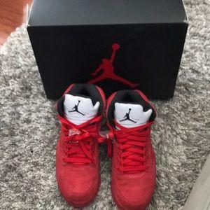 Air Jordan Retro 5 Red Suede size 8